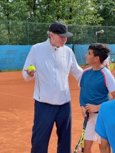 Detlev Irmler (früherer Davis-Cup-Coach/Team-Manager Rochusclub Düsseldorf) verstärkt Trainer-Team des Netzballvereins 3