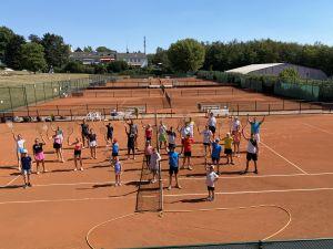 Netzballverein bietet wieder Tenniscamps an (für Anfänger bis Turnierspieler und erstmals speziell für Erwachsene)